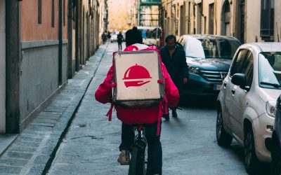 Why You Should Consider Using Restaurant Delivery Services